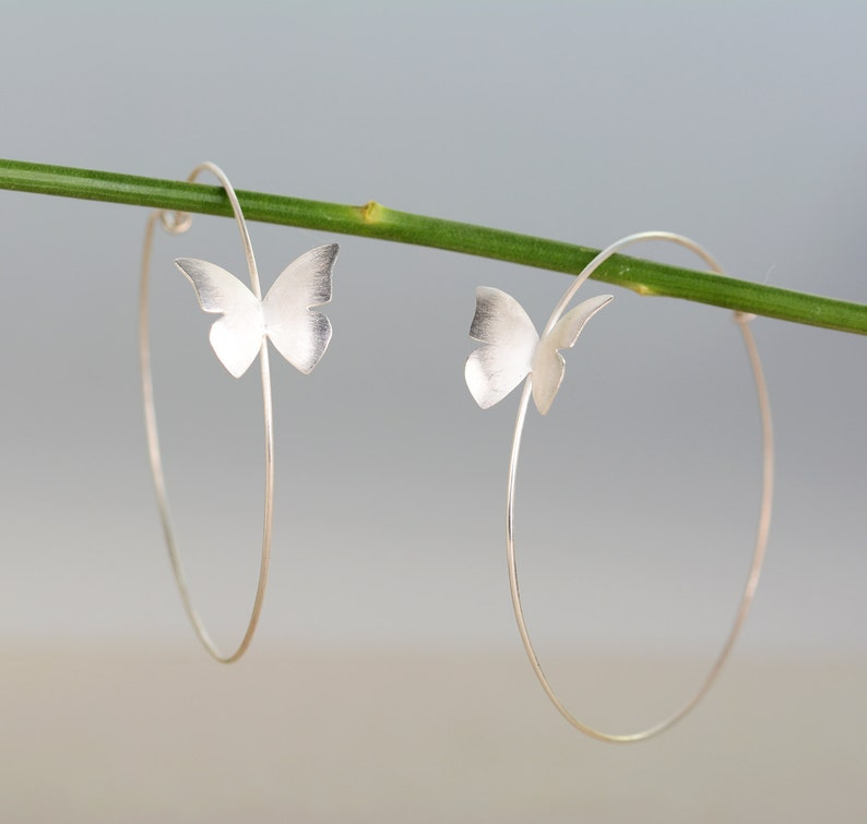 1f0bbf1539b1 Pendientes mariposa plata pendientes aro de mariposas