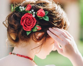 Red small roses hair pins, Gypsophila, Green leaves, Floral hair pins, Flower headpiece, Red realistic flowers, Bridal hairpiece, Bridesmaid