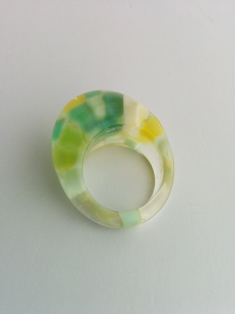 Mod retro clear and green yellow lucite plastic funky dome cubes egg ring