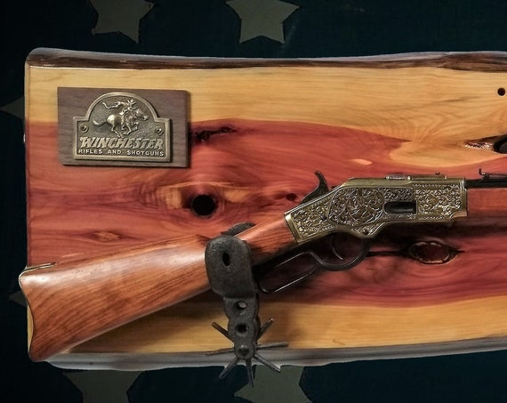 Live Edge Rustic Cedar Gun Rack Cast Iron Spur Hangers Winchester Rifle Display Fathers Day Gift