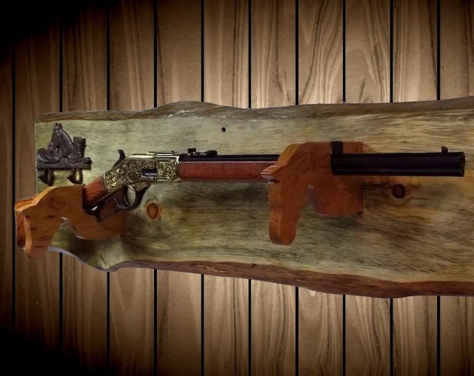 Rustic Gun Rack, Live Edge Knotty Pine, Cast Iron Horse Decor, Cherry Horse Hangers, Cowboy Western Lever Action Rifle, Handmade Gift