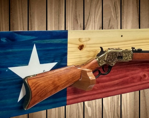 Texan Gun Rack, Wall Mount, Rustic  Knotty Pine, Rifle, Shot Gun, Americana, Cabin, Texas Flag Decor, Hunting Gift, FREE SHIPPING