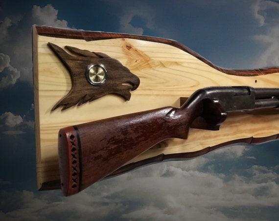 Eagle Head Gun Rack Rustic Knotty Pine Imitation Live Edge Hunting Rifle Shotgun Display Cabin Décor Gift. Free Shipping