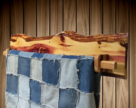 Wall Mount, Rustic Hanging Wood Quilt Rack, Live Edge Knotty Red Cedar, Home Cabin Decor Gift, FREE SHIPPING!