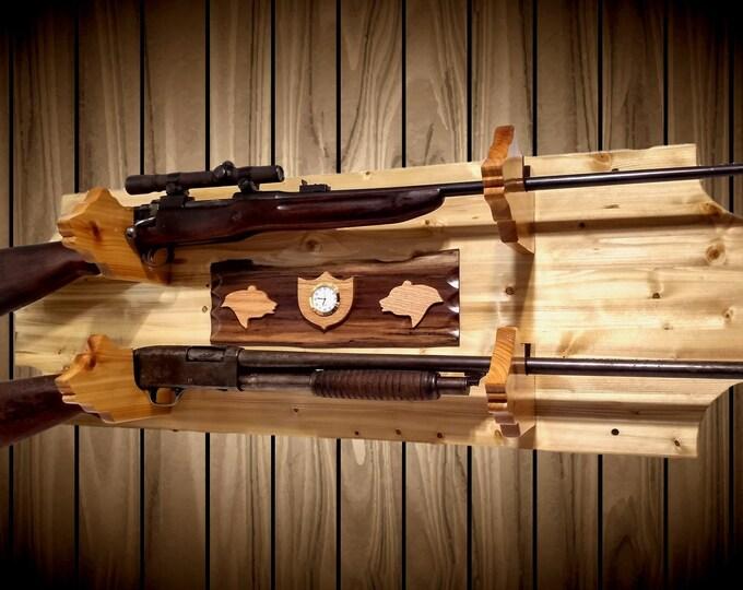 Knotty Pine Wood 2 Gun Rack Cedar Bear Holders Wall Mount Rifle Shotgun Muzzle Loader Display Handcrafted Gift Home Cabin Decor