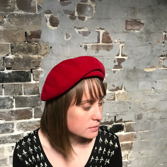 1950s red felt beret. Play Topper. Tam'o'shanter