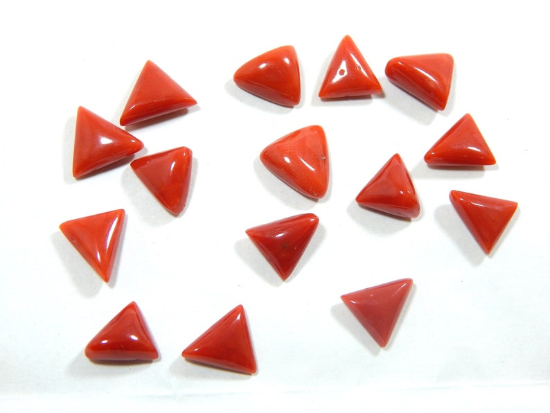 100/% Natural Italian Red coral Smooth Cabochon Trillion Shape  Size  9x10 To 10x11 mm Approx Top Quality Wholesale Price 43Cts