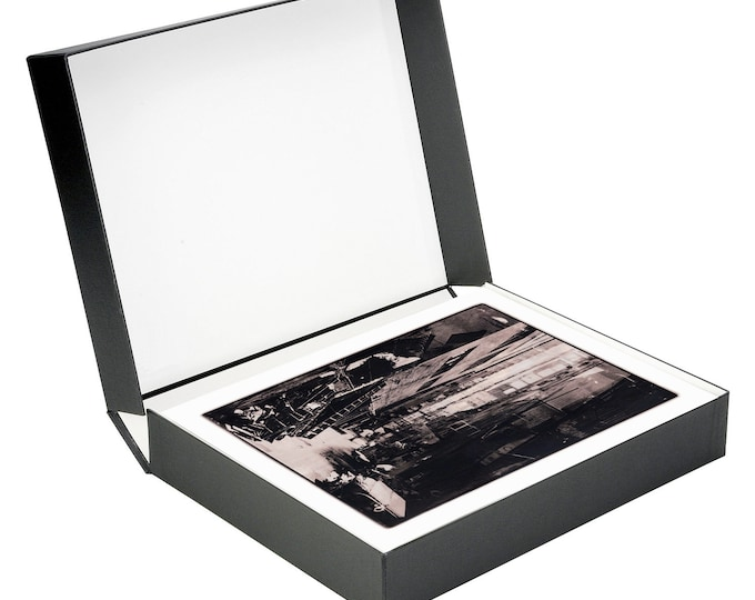 HONG KONG Limited Edition Collectors Box - 16 signed archival prints