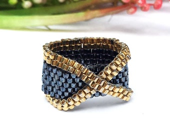 Ex Shape Bead Ring , Beaded Ring ,  Ex Beaded Ring ,  Peyote Ring , X Ring  , Black Ring, Seed Bead Ring, Black and Gold Ring