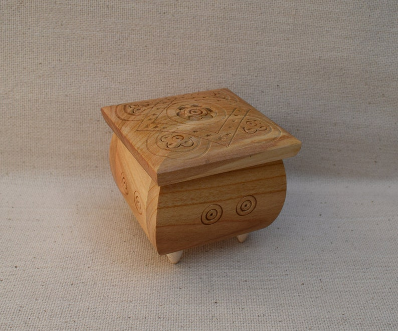 Wooden box Wood box Ring box Wood box Wood boxes Jewelry boxes Wood carving Wedding gifts Jewelry box