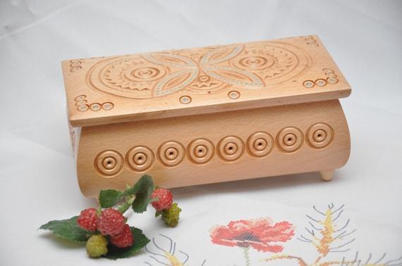 schmuck box holzkiste holz box ring box holz kasten holz etsy. Black Bedroom Furniture Sets. Home Design Ideas