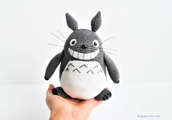 Ravelry: White and small Blue Totoro amigurumi pattern by Lucy Collin | 399x570