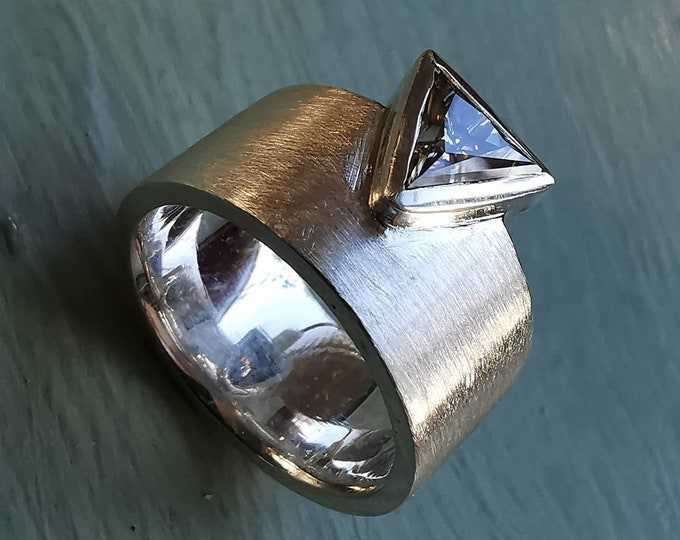 Contemporary 10mm Wide Band Sterling Silver Ring with 6mm Facetted Triangular White Moissanite