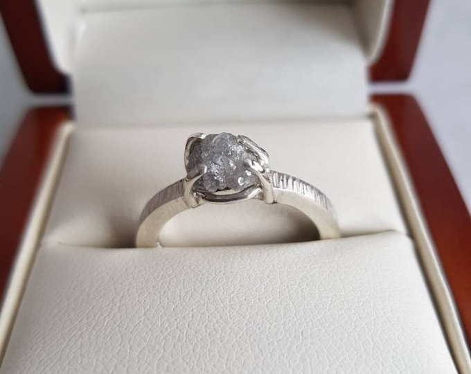 """Stunning 9ct White Gold Ring with White  Raw Uncut Diamond.  """"Bark"""" Effect Textured Band. Engagement, Eternity"""