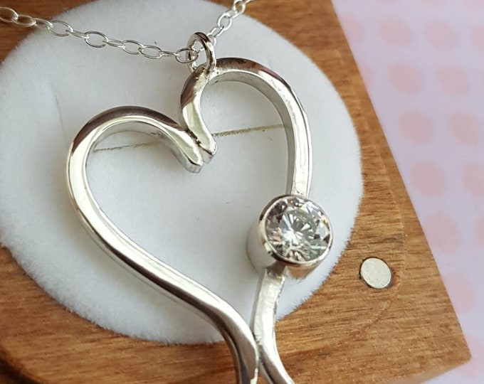 Contemporary Unisex Open Heart Sterling Silver Pendant.  Also available in 9ct Yellow Gold (gold version pictured)