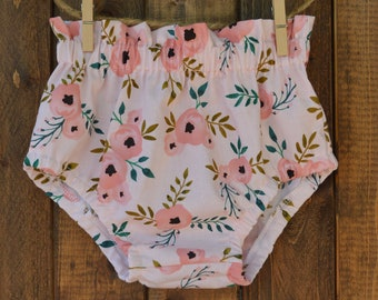3406484672e5 Coral boho floral bloomers, high waist baby bloomers, baby girl bloomers,  boho baby bloomers, floral bloomers, pink baby girl bloomers