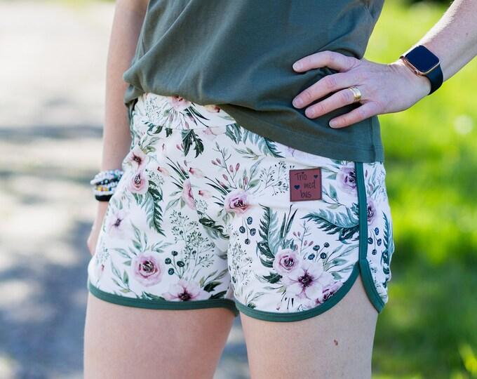 Women retro shorts sewing pattern