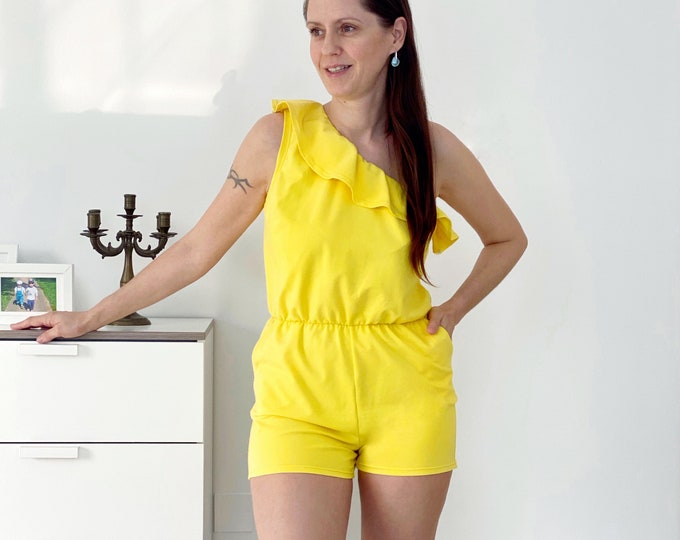 Cascada overall sewing pattern for knit fabrics