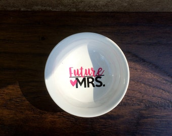 mrs ring dish - ring dish - bride to be gift - engagement gift - bride gift - bridal shower gift - wedding gift - newly engaged gift