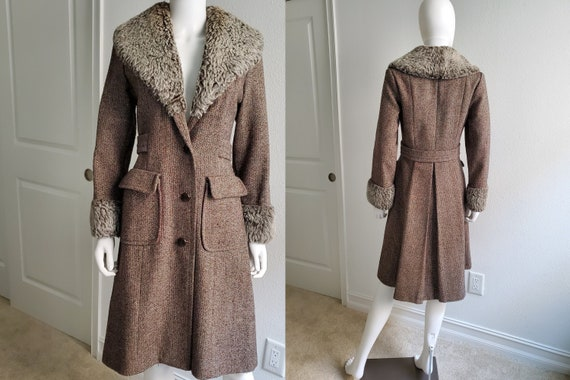 Vintage 70s Long Wool Coat with Faux Fur Collar, L