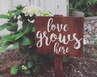 """Garden Sign, """"love grows here"""", Wooden Garden Sign, Plant Sign, Rustic Sign, Outdoor Decor, Porch, Outdoor Sign, Garden Decor"""