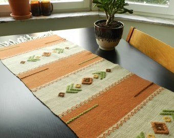 90 x 500cm  35 x 5.5yd mid-century novelty print cotton butterflies diagonal plaid white blue yellow orange 40s 50s 60s dressmaking fabric