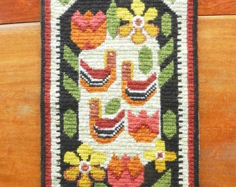 Swedish hand-embroidered wall hanging birds flowers / vintage wool twist stitch embroidery with hanger / Scandinavian folk art