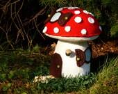 Door Stop Mushroom Fairy House Pattern Crochet, Türstopper Pilz Feenhaus Häkelanleitung