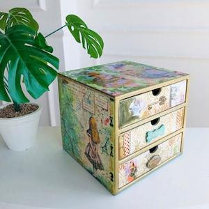 Dresser Alice/'s theme Pass a dresser Decoupage box Alice in wonderland Dresser for jewelry Jewelry box Alice in Wonderland