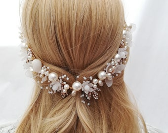 Bridal gold hair vine Flowers pearls vine Pearl gold wedding hair vine Floral pearl bridal headband Bride wreath with flowers and pearls