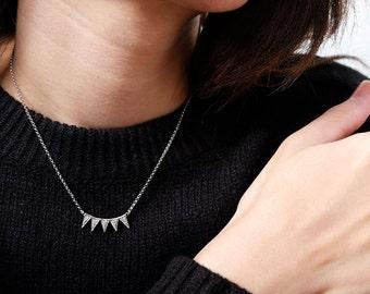 five triangle necklace, geometric necklace, dainty necklace, geometric jewelry, everyday necklace, triangle jewelry, triangle pendant
