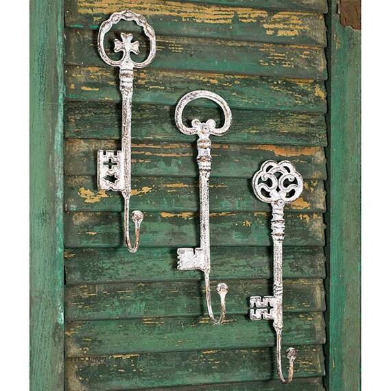 Set of Three Oversize Key Hooks, Farmhouse style , Shabby Chic