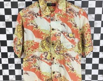 60ab49dc7 Vintage 80s HAWAIIAN Shirt Medium Bamboo Tiger Roar Animals Asian Pattern  Toyo Japan Sun Surf Sukajan Aloha Hawaii Surf Buttondown Size M