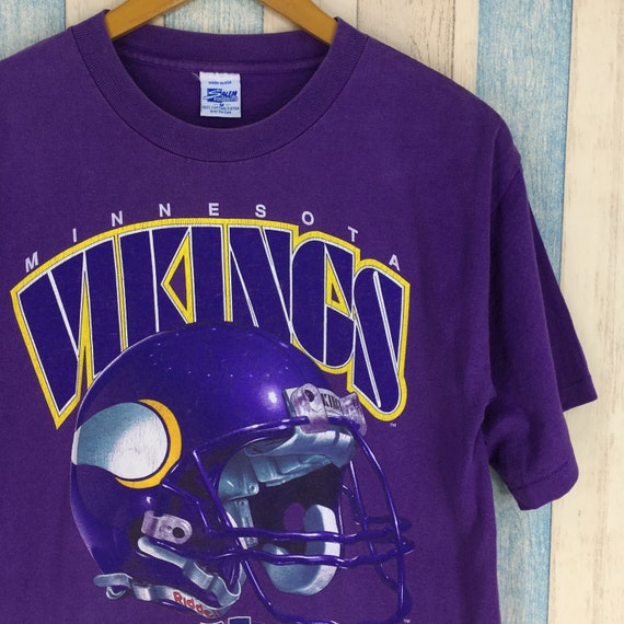 d019d345d MINNESOTA VIKINGS Tshirt Men Medium Purple Vintage 90s Central