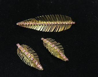 Vintage Brooch, Earings Clip, Leaves, Goldtone, Pink Crystal