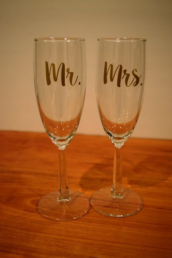 Champagne Flutes Mr And Mrs Champagne Flutes Wedding Gift Etsy