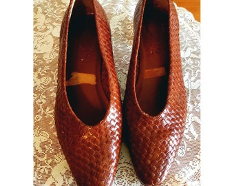 Vintage woven leather heels
