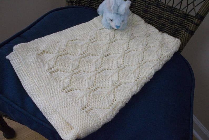 Hand Knit Baby Blanket  Baby Afghan image 0