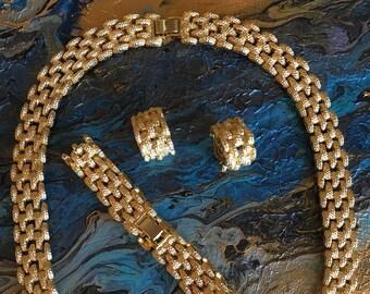 Vintage Brilliant Gold Panther Link Necklace Set