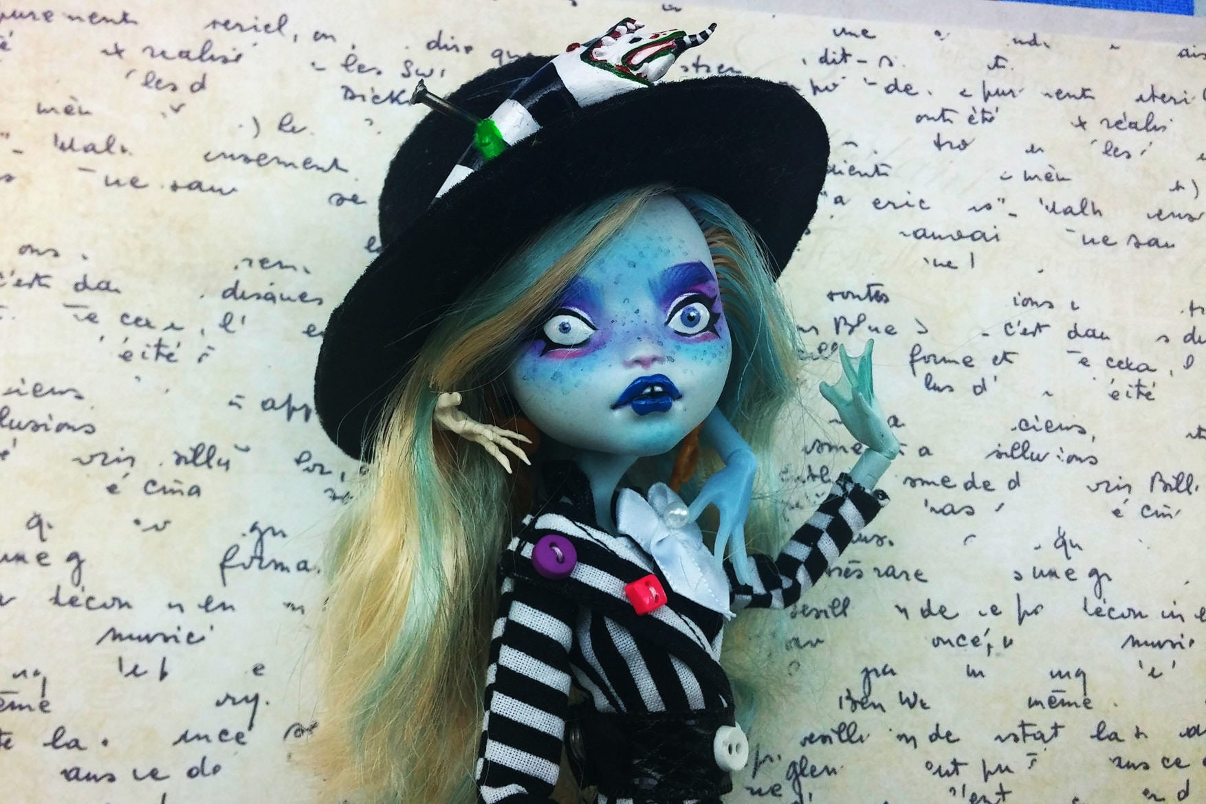 Lagoona Blue Monster High repaint Puppe Bettyjuice | Etsy