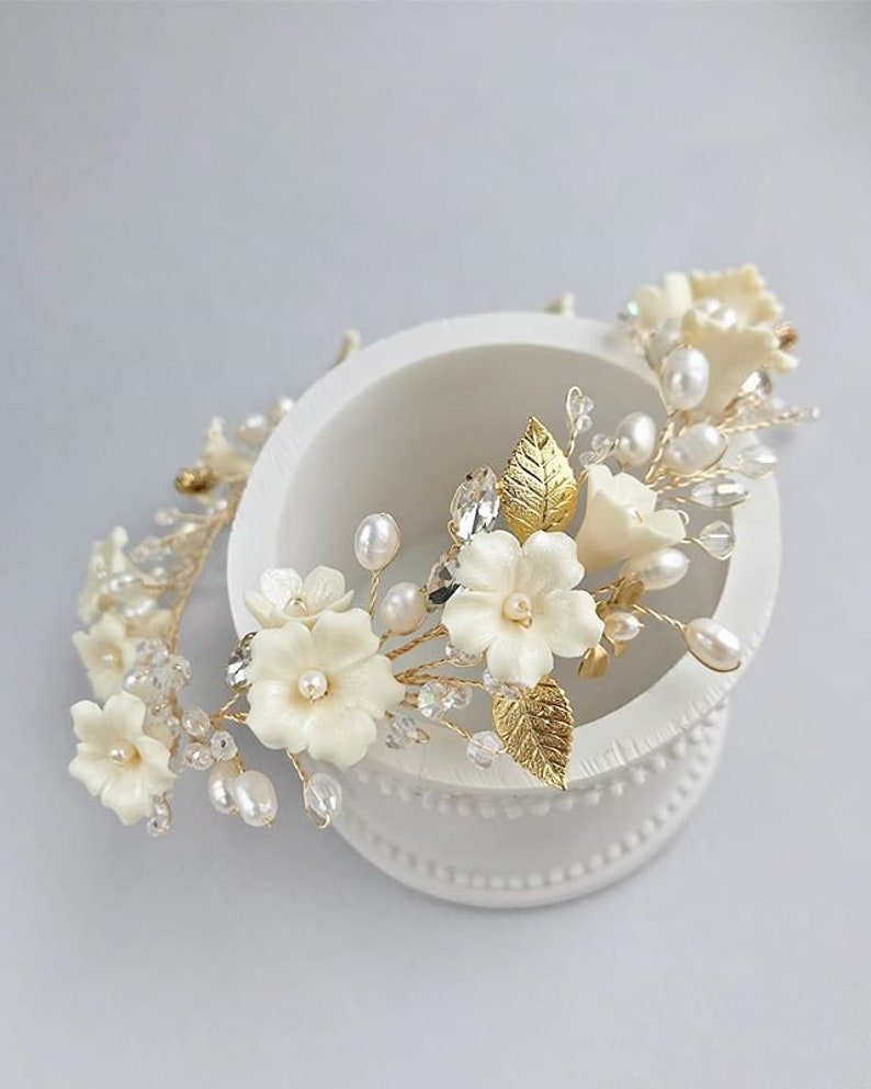 Hair Accessories for Bride Gold Wedding Wreath Ivory Flower /& Pearl Bridal Floral Halo Headpiece