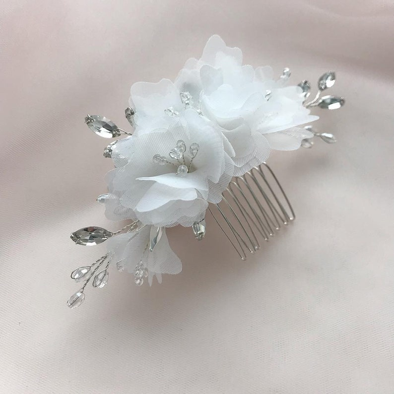 Bridal Hair Comb White Flowers /& Rhinestones Bride Hair Piece Wedding Hair Accessories Silver Headpiece