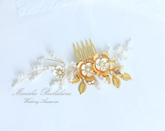 Hair gold comb white flower pearl, Bridal gold piece, Wedding gold head comb, Gold piece hair bridal, Pearl bridal hairpiece, Gold head vine
