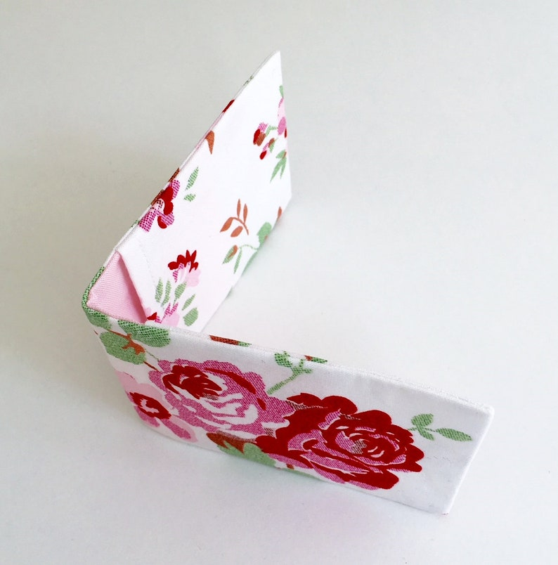 Cath Kidston Fabric Oyster Card Holder in White Rosali Fabric image 0