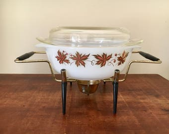 Agee pyrex vintage made in australia with stand maple leaves gold cassorle dish