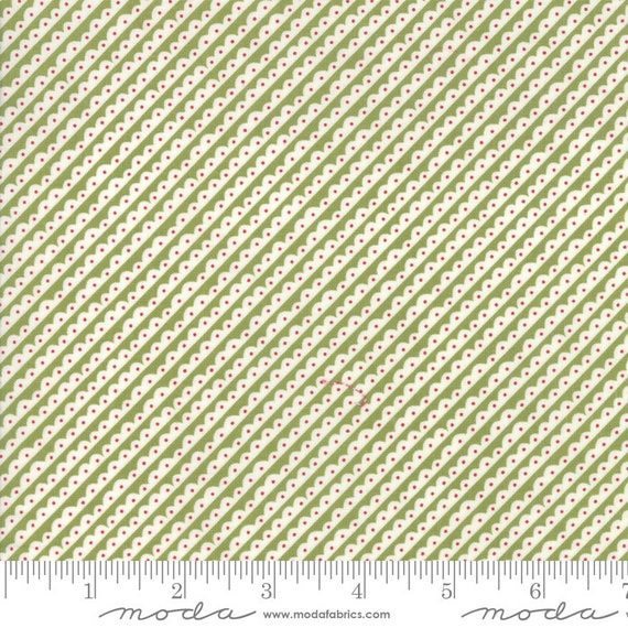 The Christmas Card Green Scallops, By Sweetwater, 5775 22 Moda, Sold by the half-yard cut continuous
