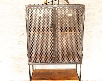 WERKSTATTSCHRANK EISENSCHRANK INDUSTRIESCHRANK Rowac Tool Cabinet Metal Cabinet Vintage Design Rivets Loft Furniture Rivet