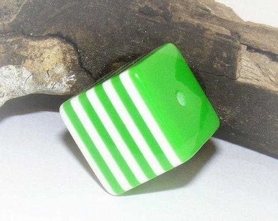 Perle cube bayadère