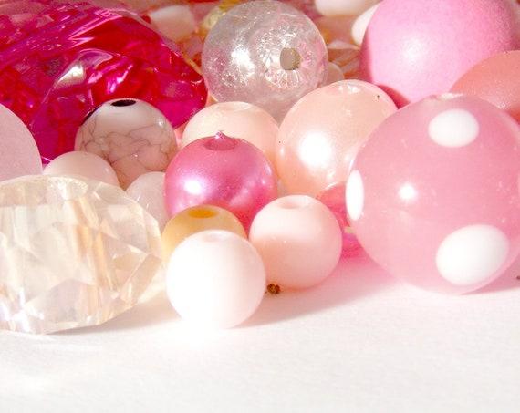 Assortiment de 50g de perles roses