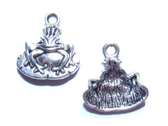 Queen of the 16mm silver frog charms x 4